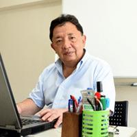 ハリー田西先生